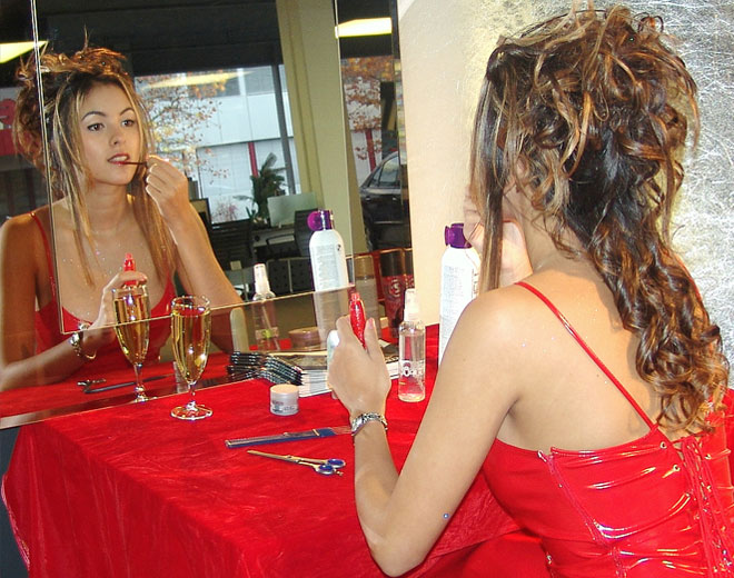 Nathalie_in_red